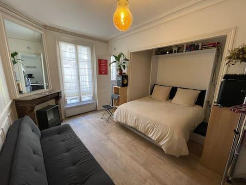 *Lovely parisian flat in Montmartre*