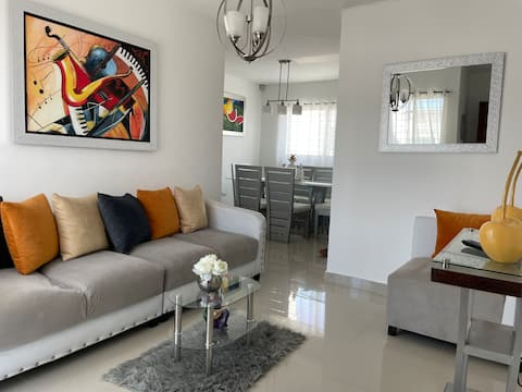 Apartment with Private Terrace & Jacuzzi in Gurabo