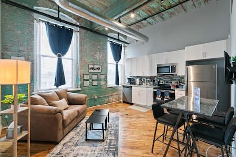 ~Beautiful Luxurious 1 Bedroom Loft Apartment