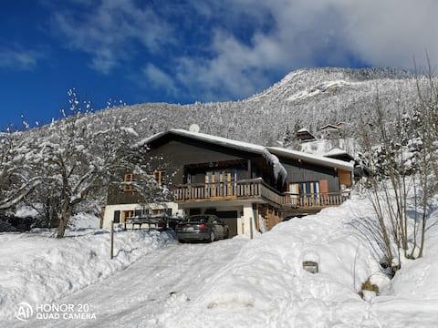 Très bel appartement à la montagne dans un chalet