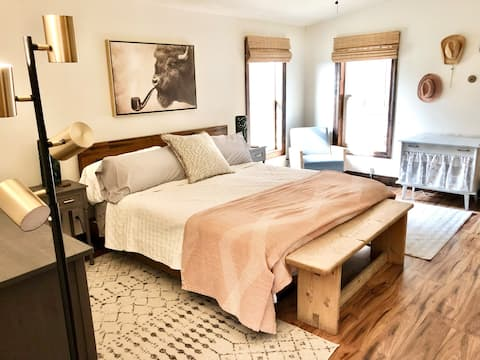 **NEW DATES OPEN**3 Bed Mountain View Private home