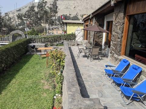 Casa de campo rústica con sol los 365 días del año