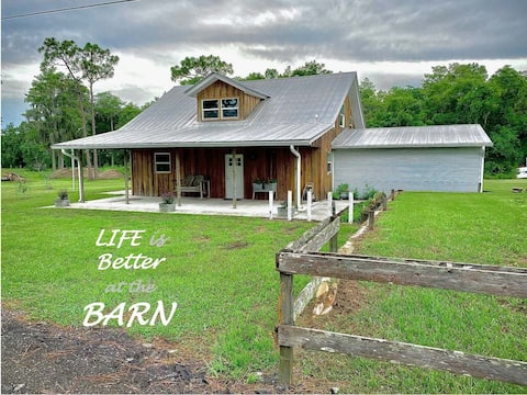 Centrally-located yet Secluded Barn Retreat w Pool