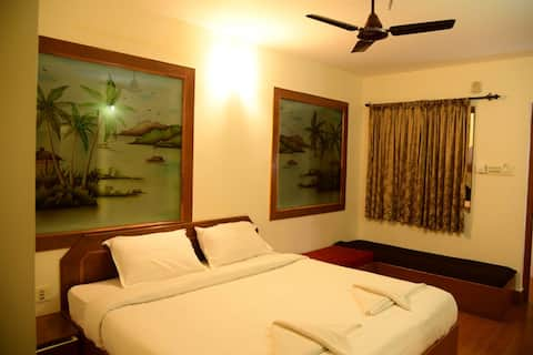 Resort - Charming Twin sharing bedroom
