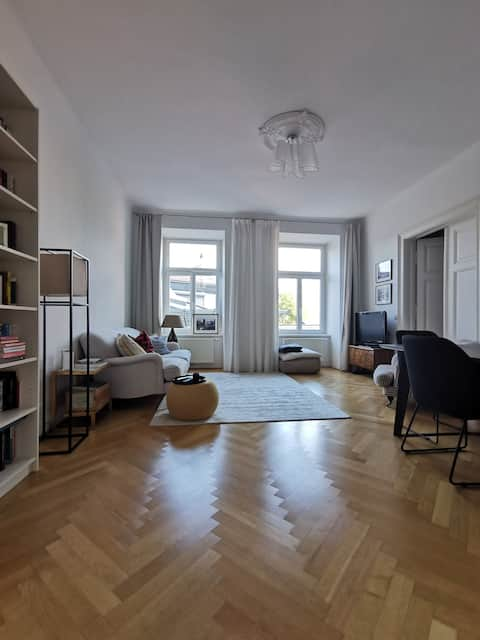 Beautiful apartment in Vienna's best location!