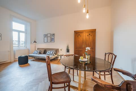 STYLISH DESIGN APARTMENT IN THE HEART OF VIENNA