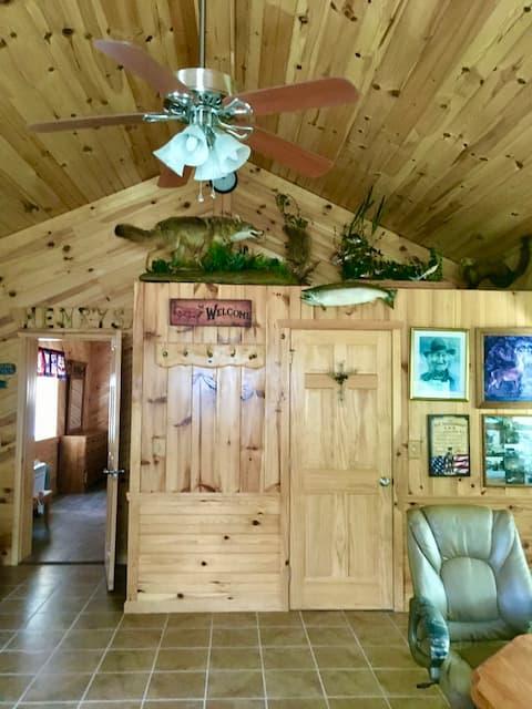 Cozy Cabin near Salmon River Falls