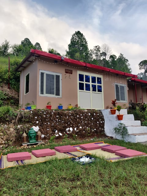 Chamba Heights Cottage- Private Room