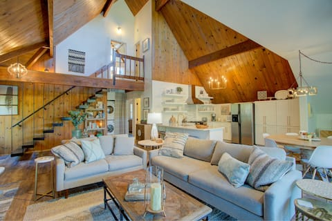 Gorgeous Newly Remodeled A-Frame with Views