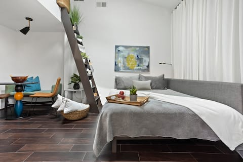 Winter Park Stylish Studio  Minutes Away From DT