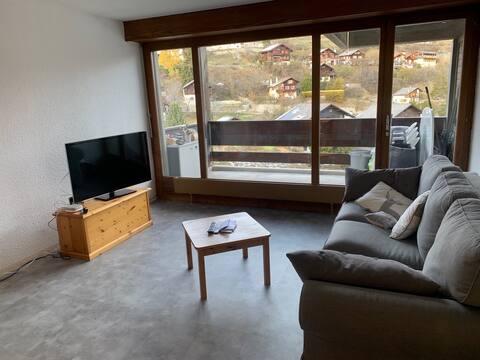 Superbe appartement rénové au centre du village