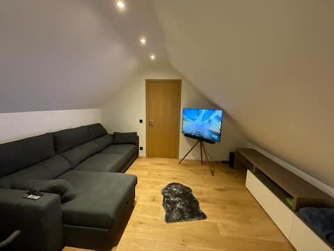 Moderne leilighet med privat bad