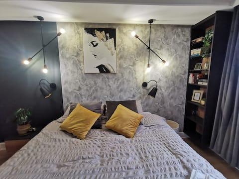 Modern en suite double bedroom Dublin 20
