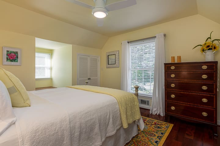 Guest Bedroom, The Sunset Room, on the second floor offers Queen Bed, Bureau, side tables and lamps and closet.