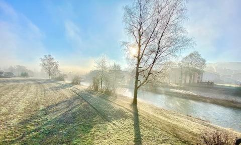 Am Flussufer der Töss