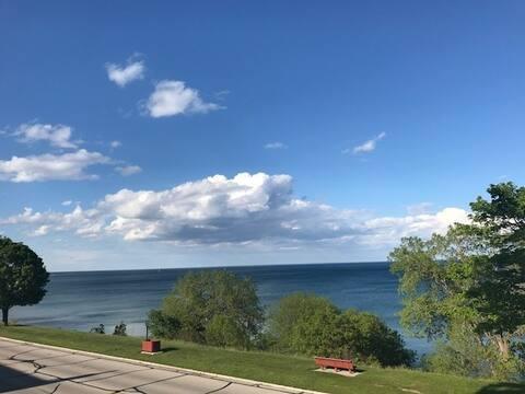 2 bedroom unit with full Lake Michigan views
