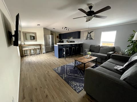 NEWLY Remodeled Home- Grand Canyon Junction- Valle