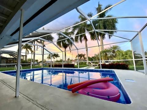Crystal Blue Beach House  - A WaterFront Villa