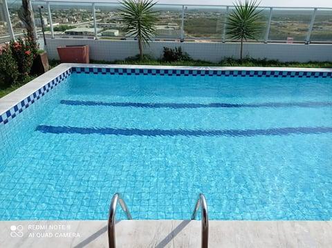 APPARTAMENTO intero con piscina, palestra già inclusa.