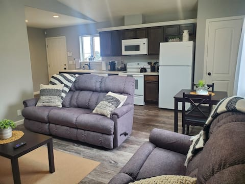 BE OUR GUEST! Brand new 1bed 1ba house.  Modern