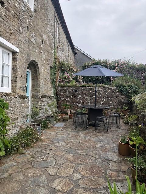 Cosy 2 bedroom cottage, near the sea, South Devon