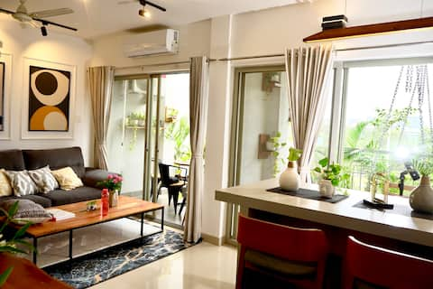 ★Central Residence★Chic & Luxurious 2BHK with View