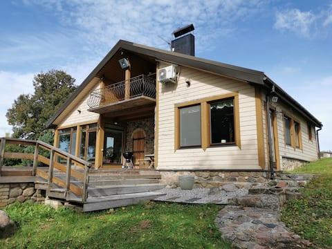 Lakehouse with sauna and hot tub