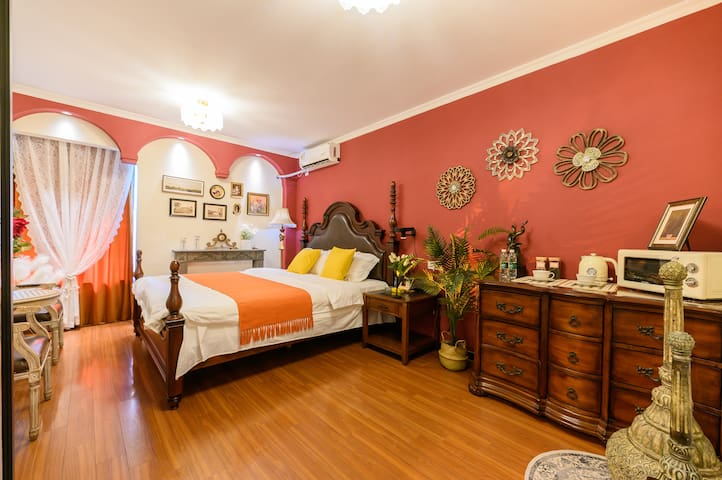 2.2*2.4米超大床,定制床垫,关爱您的睡眠质量。