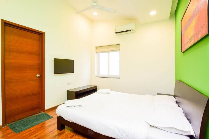 1st Apartment - Bedroom 2