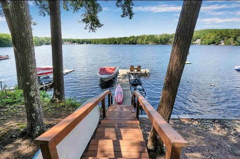Lakefront 3 bedroom year round house with parking