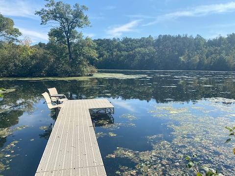 Cozy Guest Loft on Lake Hallie… fisherman's heaven