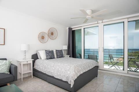 Suite 1 Caribbean Escape- South Side w/ Balcony