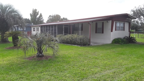 Dog friendly 2 bedroom and 2 bath mobile home
