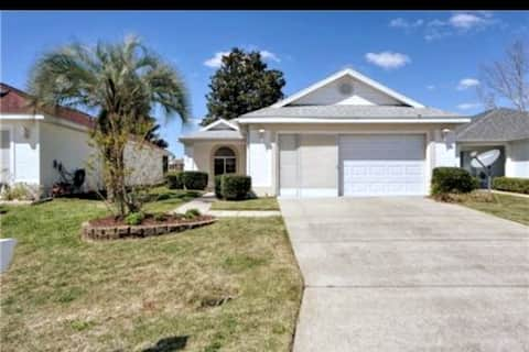 Charming Home/ Close to WEC and HITS