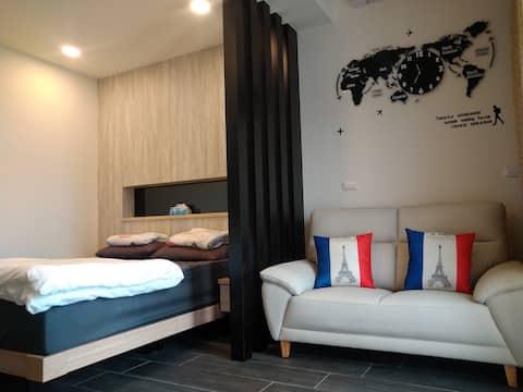 Zhan Arashi ~ Hualien (Splendid) Elevator Comfortable Double Suite + View Terrace 1min Walk to Shi Xue Food Street/5mins to Dong Hua University