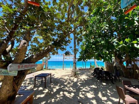 Beautiful, Beachfront Resort in the Heart of Saud