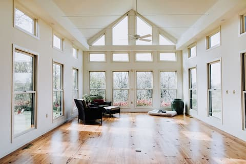 Luxe-Rustic Stunning Modern Farmhouse on 36 Acres