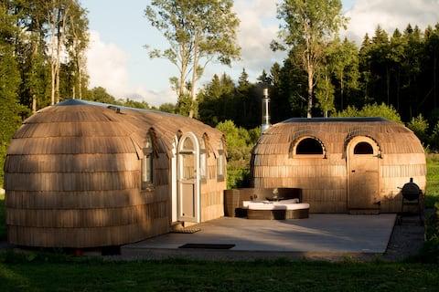 Lovely scandinavian style igloo house and sauna