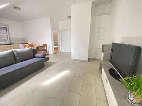 Amplio apartamento de 2 dormitorios con aparcamiento gratuito