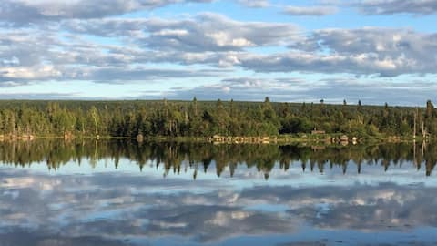Cheerful 4 bedroom with the best view in Gambo, NL