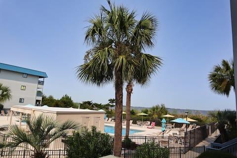 Sun, Sand and Pool : Savannah, Tybee