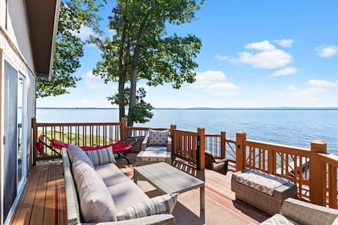 NEW! Sweeping Views with our Lakefront Cottage!