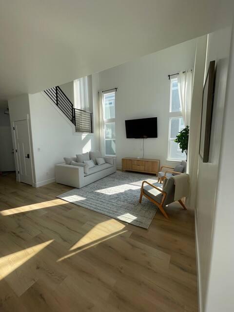 Beautiful 3 bedroom townhome!