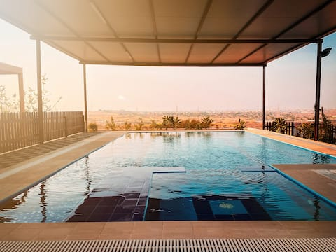 Desert Dune - Cheerful 2 bedroom place with pool