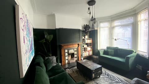 Stylish Cardiff Home - Long Stay Offer