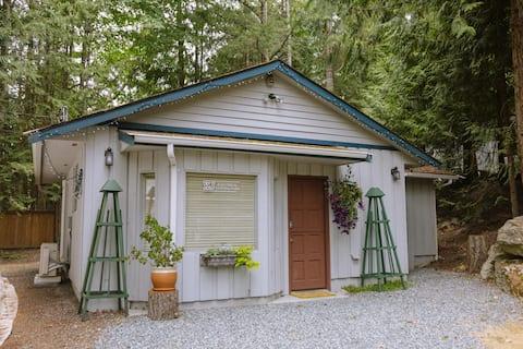 Kim's Cabin Private Country Setting.