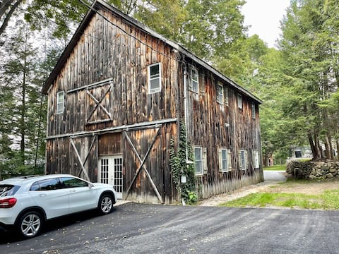 Adorable 2-bedroom guesthouse in renovated barn
