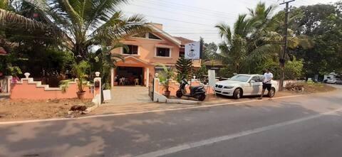 Cozy studio apartment for two in North Goa Anjuna