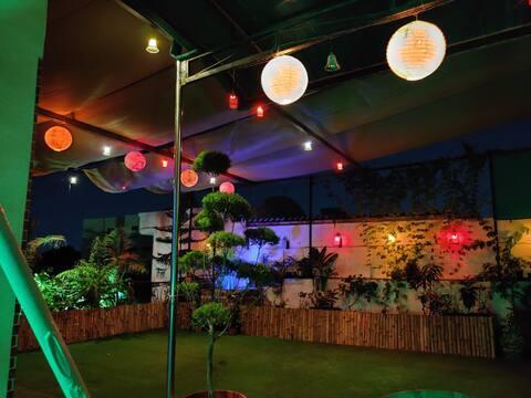 Blossoms Retreat-  Terrace Garden Oasis Penthouse