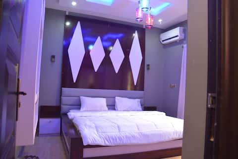 Spacious one room Apartment for singles & couples